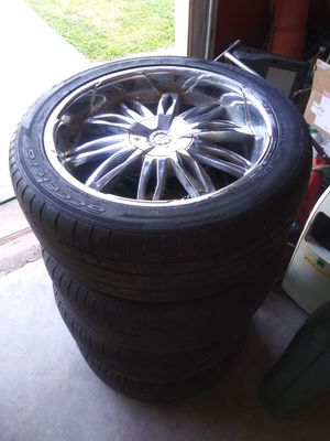 22 inch rims. Universal lug pattern for Sale in Athens, GA