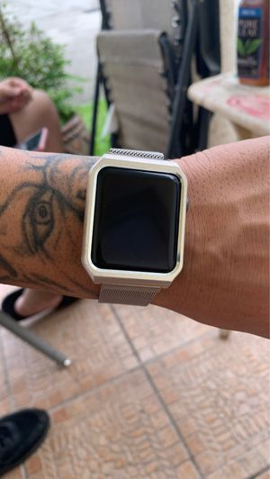 apple series 4 42mm with protective Milanese magnetic band for Sale in Homestead, FL