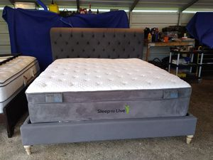 California king mattress with boxprings ( bed frame not included) for Sale in Spring, TX