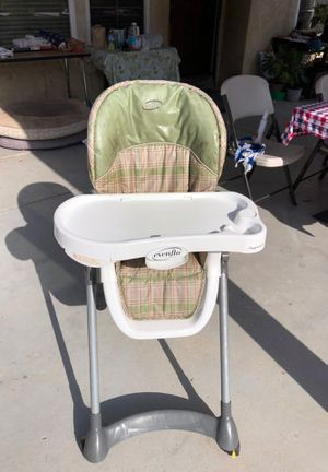 Baby high chair for Sale in Chula Vista, CA