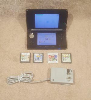 VERY NICE NINTENDO 3DS SYSTEM SETUP BUNDLE W/GAMES for Sale in Tucson, AZ
