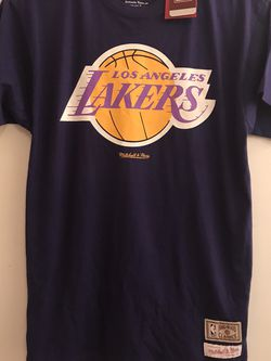 L. A. Lakers T-shirt Size Medium Hardwood Classics Brand New for Sale in Reedley,  CA