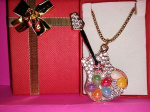 Crystal guitar Necklace nwt for Sale in Wichita, KS