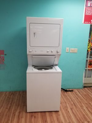 Electric dryer washer combo for Sale in Aurora, IL