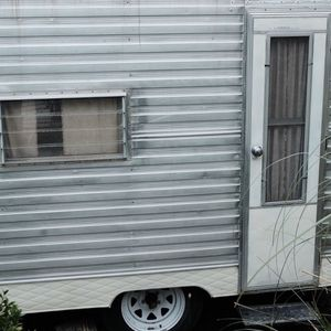 Vintage Travel Trailer for Sale in Maywood Park, OR