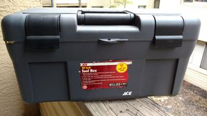 Ace hardware 20 inch tool box with Black and Decker drill bits for Sale in Columbus, OH