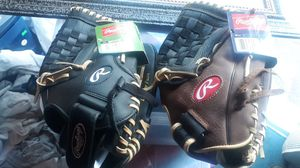 2 Rawlings baseball gloves brand new for Sale in Seattle, WA