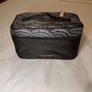 Brand New Victoria Secret Bra & Panty Bag for Sale in Cleveland, OH