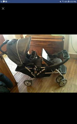 Double strollet duo glide stroller for Sale in Baltimore, MD