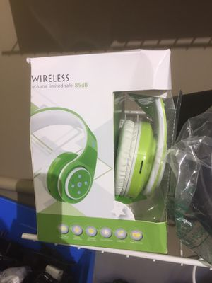 Wireless headphones for Sale in Lawrence, IN