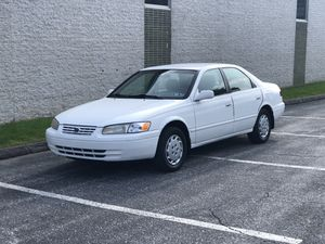 Low Mileage Toyota Camry w TAGS for Sale in Catonsville, MD