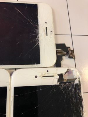 We fix broken iPhones/Samsung—-Smartphones!!! for Sale in Arlington, VA