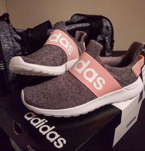 Adidas Sz 6 Kids....Fits Sz 7/8 Women's for Sale in Wichita, KS