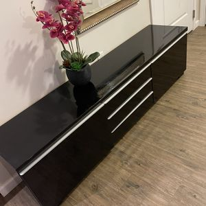 Tv Stand for Sale in Belmont, MA