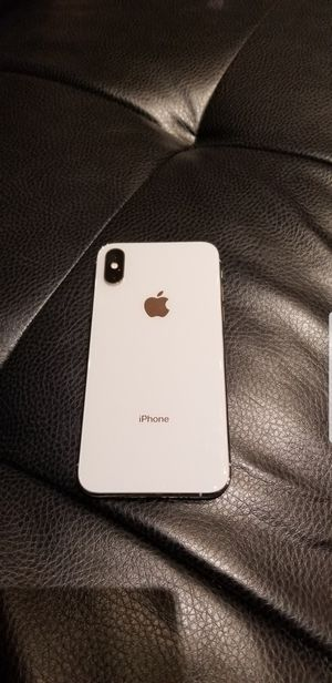 Iphone XS 256gb silver SPRINT/TMOBILE for Sale in Des Plaines, IL