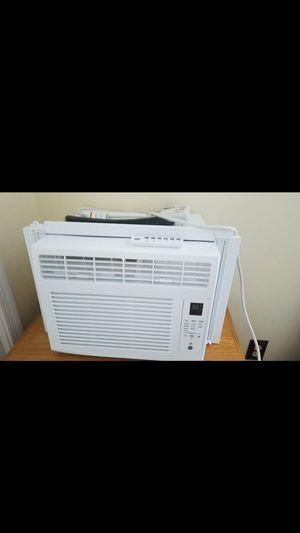 6000 BTU , 1 MONTH OLD. ac unit system. for Sale in Williamsburg, VA