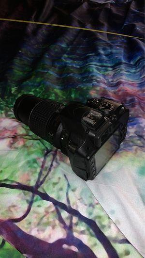nikon d3300 with af-s nikkor 55-200mm lens for Sale in Hemet, CA