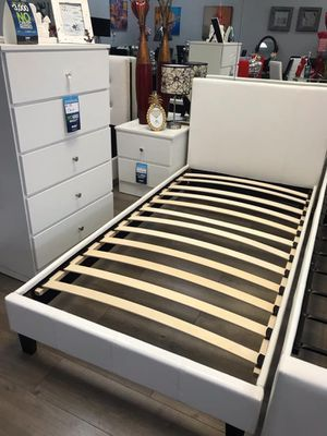 Twin bedroom set new mattress not included for Sale in Palmetto Bay, FL