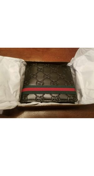 Gucci Wallet with box & certificates for Sale in Rex, GA
