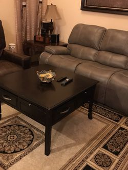 Coffee table With four drawers Solid wood .H22x36x36 .((Free Delivery Included )) for Sale in Las Vegas,  NV