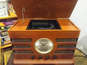 Classic wooden CD/ Radio player for Sale in Chicago, IL