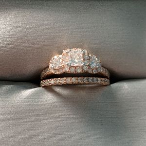 Rose Gold Diamond Wedding Ring And Band for Sale in Shorewood, IL