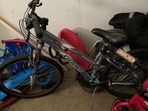 Giant bike for Sale in Reynoldsburg, OH