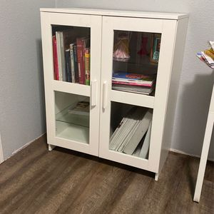 PENDING PICKUP- Ikea White Cabinet for Sale in Woodburn, OR