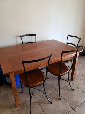 Dining table with 6 chairs for Sale in Kennewick, WA
