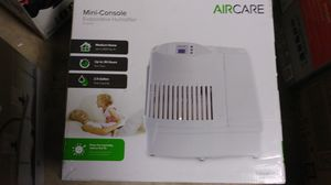 AIRCARE 2.5 Gallon Evaporative Humidifier. for Sale in Hacienda Heights, CA