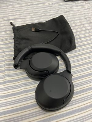 sony wireless headphones WH-XB900N for Sale in Chula Vista, CA