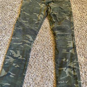 CAMO Pants for Sale in Glendale, AZ