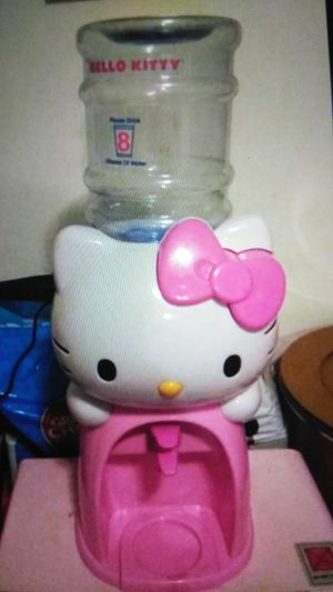 Hello Kitty Dispenser de Agua for Sale in Miami, FL