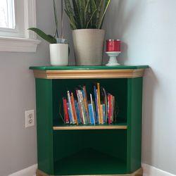 Corner Book shelf for Sale in Mount Rainier,  MD