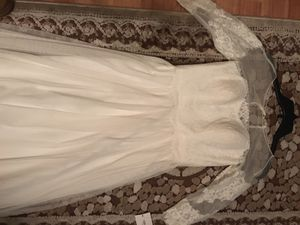 David's Bridal Wedding Dress Size 4. Never Worn. Need gone ASAP. Message with offers. Retail $500 for Sale in Westerville, OH