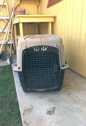 Small dog crate for Sale in Bakersfield, CA