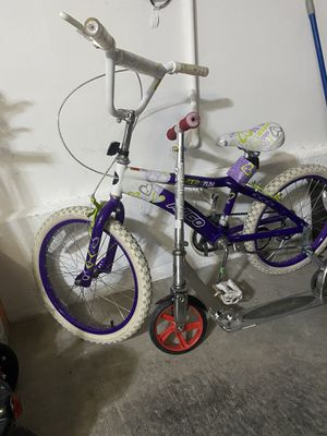 Girls bike and folding razor scooter for Sale in Las Vegas, NV