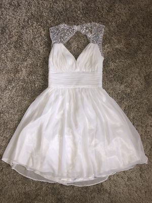 Short white dress, Windsor, size 1/2 for Sale in Land O Lakes, FL