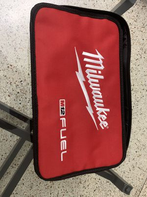 Milwaukee m12 charger and bag for Sale in Miami, FL