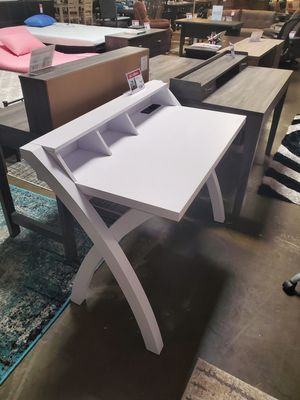 Computer Desk with Electrical and USB Outlets, White for Sale in Huntington Beach, CA