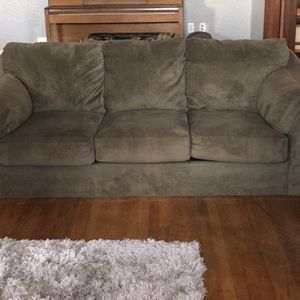 Couch In Great Condition for Sale in Fresno, CA