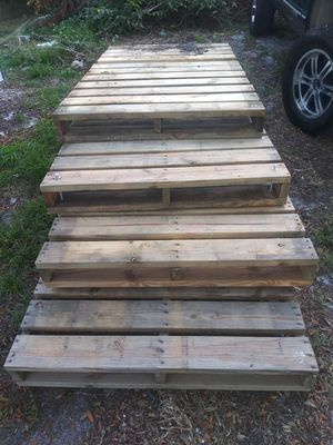 2x6 pallets free for Sale in Stuart, FL