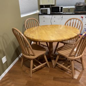 Kitchen Table With Chairs Or Dining Room for Sale in Bellevue, WA