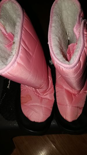 Girls Snow boots sz3 for Sale in Stockton, CA