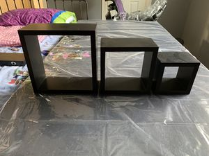 4 pieces wall shelves (black) $5 for Sale in Houston, TX