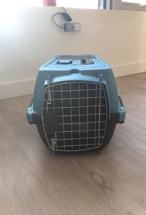 """Blue small kennel 19"""" fits up to 10lb for Sale in Seattle, WA"""