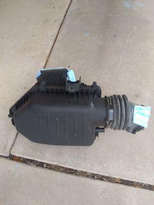 2019 Chevrolet Silverado Air int oake dónde se pone el filtro de aire de Chevrole for Sale in Phoenix, AZ