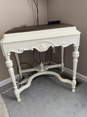 Antique table for Sale in St. Peters, MO