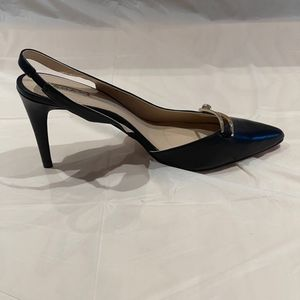 Womens Shoes - Tahari Black Sling Back Leather Shoes Size 11 for Sale in Fairfax, VA