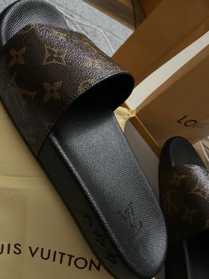 Louis Vuitton Slippers for Sale in Las Vegas, NV